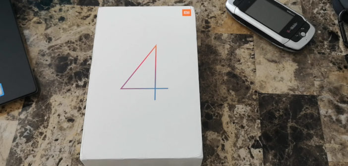 Unboxing the Xiaomi Mi Pad 4
